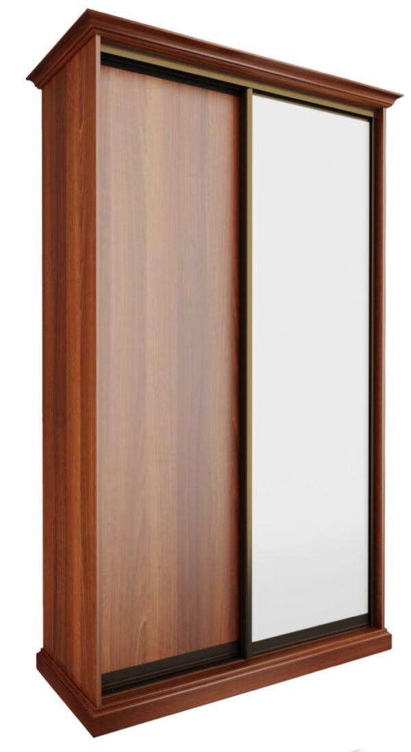 Шкаф-купе с зеркальным фасадом